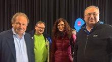 Frank Bsirske mit KollegInnen der SK Regen-Viechtach