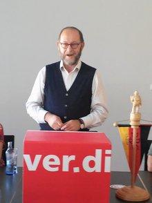Apotheker Helmut Bergmann.