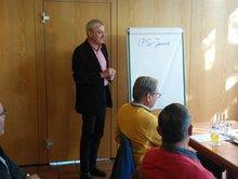 Versammlung mit dem Sozialwissenschaftler Michael Wendl