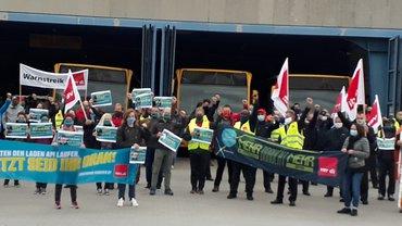 Breite Beteiligung beim Warnstreik in Regensburg